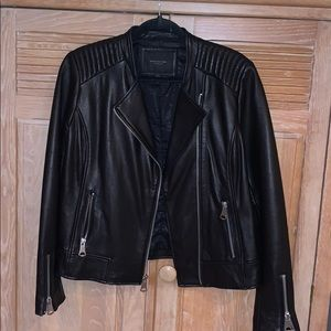 Leather Bomber Size Large Fitted Style